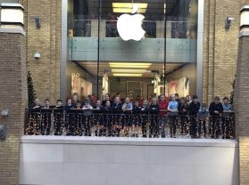 Digital Leaders and the ICT club visit the Apple Store, Belfast